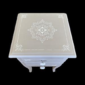 Coppia di comodini tortora con decori bianchi Mobili Bernardi Jari